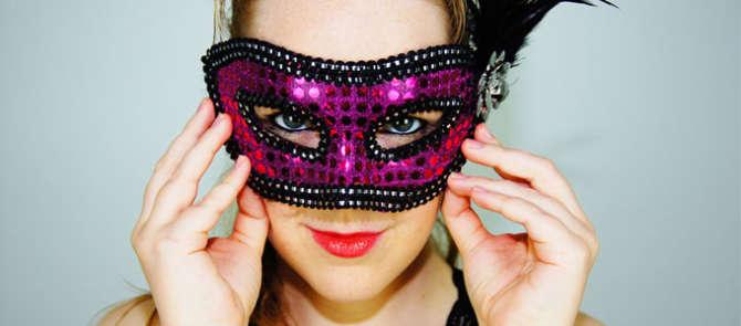 Carnaval - Erotisch sex verhaal op eroverhaal.be een ruim aanbod aan erotische verhalen.